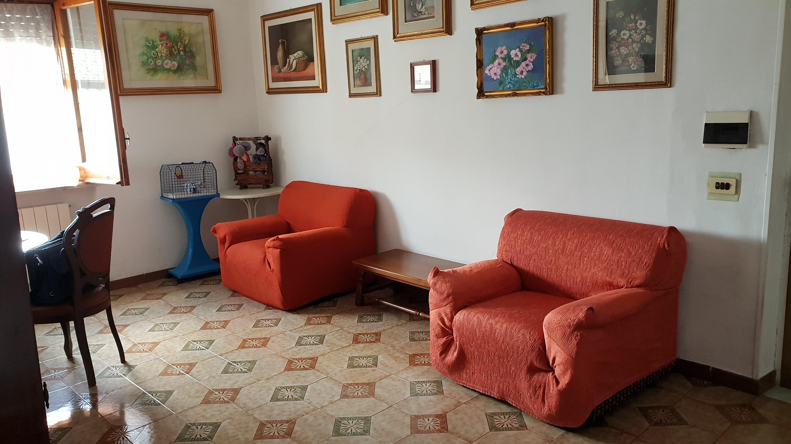Pianura Centro vendesi interessante  Appartamento