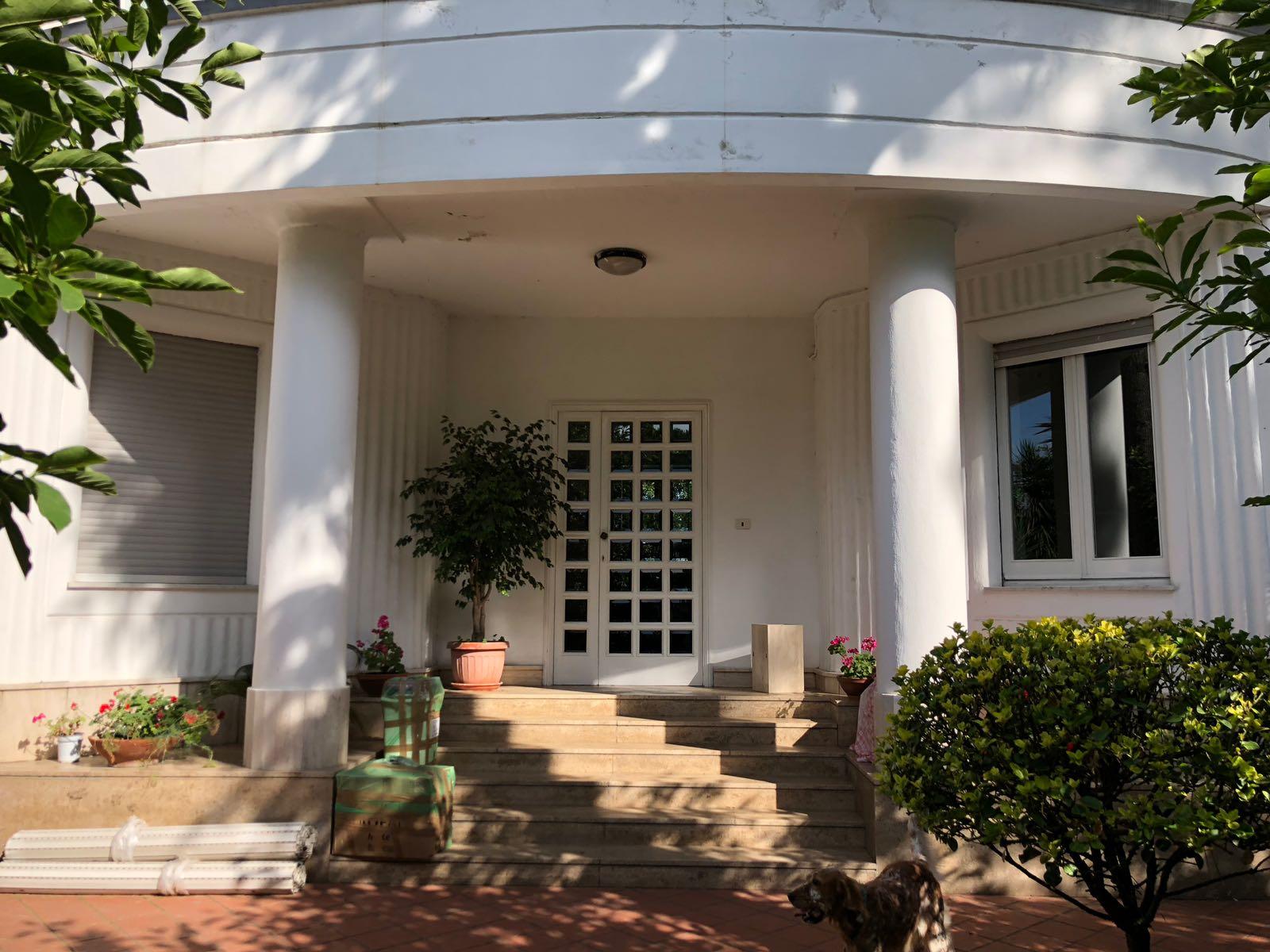 Manzoni lato posillipo –  Villa indipendente