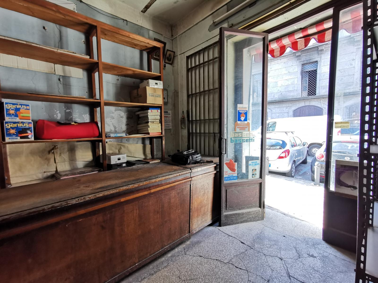 Negozio in vendita piazza Mercato,Napoli