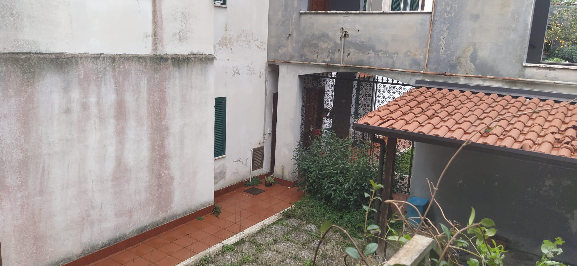 Trilocale via Pietrarsa, Pozzuoli